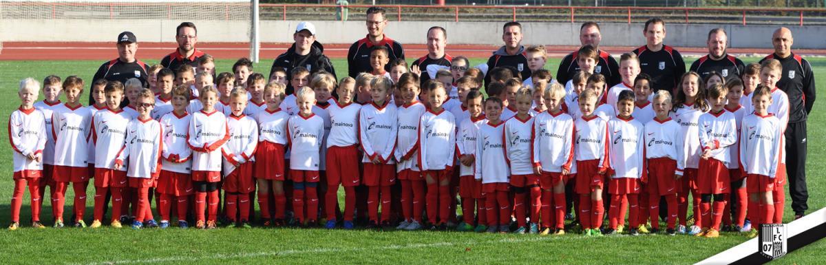 2017 10 Viktoria Fussballcamp Gruppenbild 008
